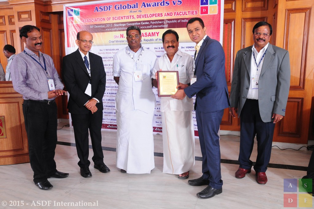 Vignesh Ramakrishnan @ receiving awards 2015